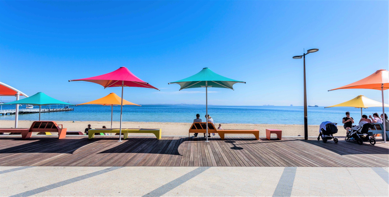 Rockingham Umbreallas beach a
