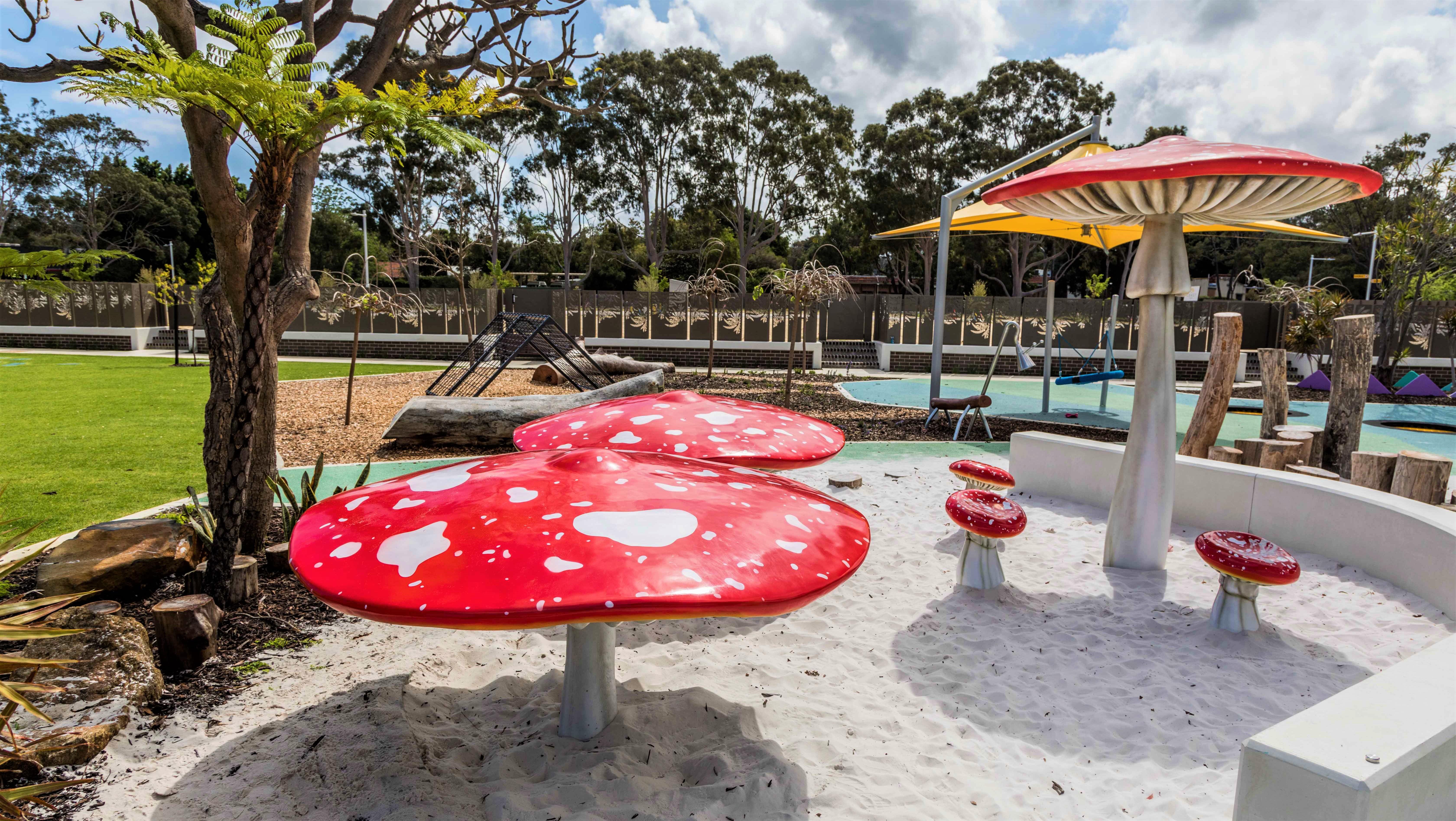 Montario Quarter - Mushroom Art Playground